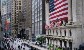 Do kterých akcií z Dow Jones indexu se nyní vyplatí investovat?