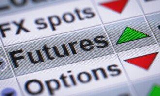 Rozdíly ve finančních derivátech – Jaký je rozdíl mezi CFD, futures a opcemi?