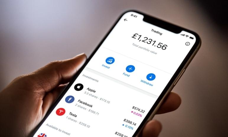 Bezplatné obchodování akcií: Revolut spouští novu službu ve své mobilní aplikaci