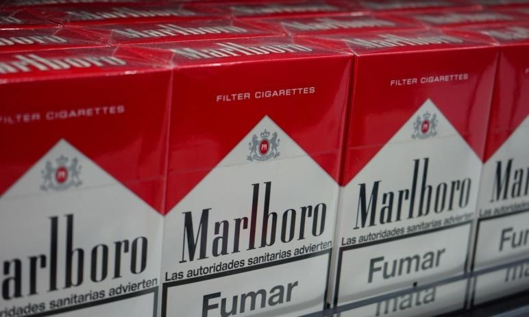 Zisk tabákové společnosti Philip Morris se během pololetí vyšplhal na dvě miliardy
