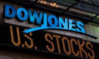 Index Dow Jones na novém maximu, překonal hranici 28 000 bodů!