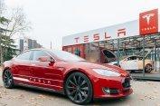 Kontroverzní vizionář Musk má se svou Teslou nový rekord