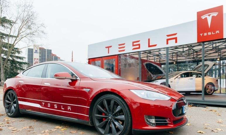 Tesla překonala kapitalizaci 555 mld. USD