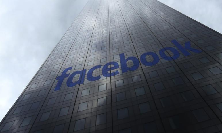 Růstový potenciál ceny akcií Facebooku zůstává silný