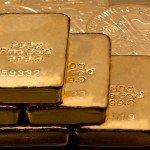 """<strong>TIP: </strong>Přečtěte si náš článek – <a href=""""https://finex.cz/investicni-zlato-jak-nejvyhodneji-investovat-do-zlata/"""" target=""""_blank"""" rel=""""noopener noreferrer"""">Jak nejvýhodněji investovat do zlata? Vyplatí se to?</a>"""