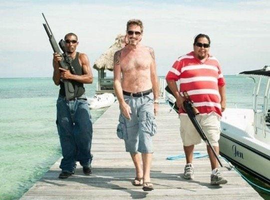 Běžný den Johna McAfeeho v Belize. (zdroj: Wired)