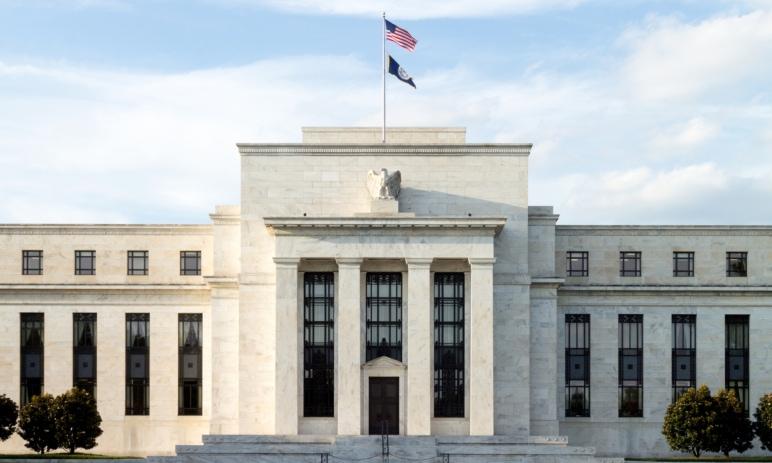 Novinky ze středečního zasedání Federální rezervní banky: dosavadní politika beze změny – co na to trhy?