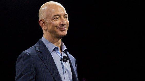 Nejbohatší muž světa vlastnící 12 % akcií Amazonu – Jeff Bezos