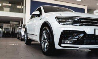 Vyplatí se investovat do evropského automobilového průmyslu? Podívejte se na tyto 4 zajímavé akciové tituly