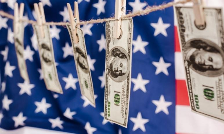 Ekonomika USA se propadla ještě více, než se očekávalo - 32,9 %