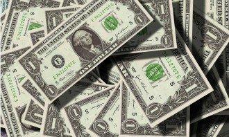 Sílící dolar proti euru – co a jak v současné době nejvíce ovlivňuje kurz dolaru?