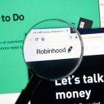 """<strong>Přečtete si:</strong> <a href=""""https://finex.cz/4-nejcastejsi-chyby-kvuli-kterym-investori-robinhoodu-krachuji/"""" target=""""_blank"""" rel=""""noopener"""">4 nejčastější chyby, kvůli kterým investoři (Robinhoodu) krachují</a>"""
