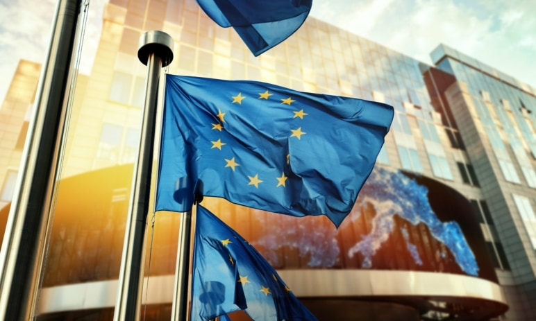 Eurozóna má zápornou inflaci, v Česku je naopak jedna z nejvyšších