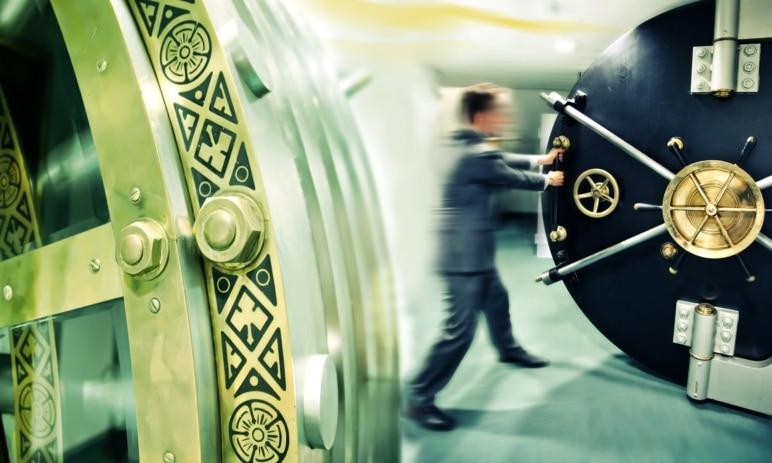 Investice do bankovního sektoru: Sázka na návrat předkoronových časů. Jak velká jsou rizika?