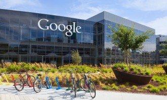 Akcie Alphabet (Google) překonaly své dosavadní maximum (all-time high) – Může je něco zastavit?