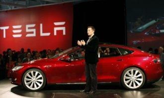 Elon Musk slíbil v roce 2020 splnit těchto 9 cílů. Kolika z nich Tesla v uplynulém roce dosáhla?