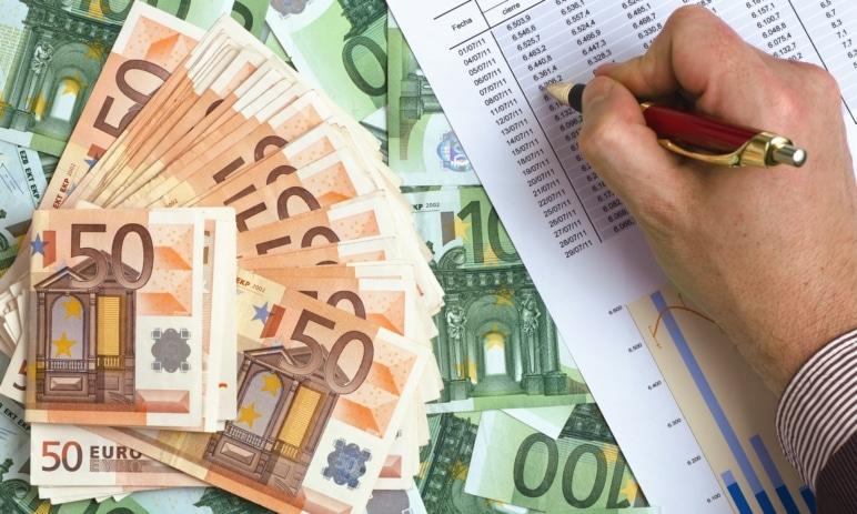 Analýza: Kurz eura – jaké jsou jeho dlouhodobé vyhlídky?