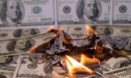 hotovost-USD-dolar-jak-traderi-prichazeji-o-penize-loss-ztrata-prodelat-ohen-spalit-inflace
