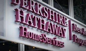 Berkshire Hathaway odkoupila v roce 2020 vlastní akcie za rekordních 24,7 miliardy dolarů