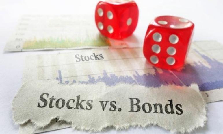 Proč jsou rostoucí výnosy vládních dluhopisů obrovské riziko pro akcie?