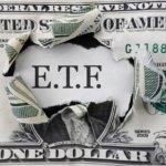 """<strong>TIP: </strong>Chcete se dozvědět o srovnání podílových fondů a ETF více? Přečtěte si <a href=""""https://finex.cz/podilove-fondy-nebo-etf/"""">tento komplexní článek</a>."""