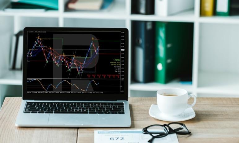 Obchodování pomocí strategie Forex Racer na grafech Renko