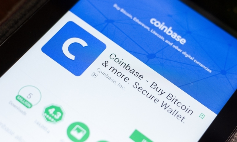 Akcie Coinbase se stále obchodují 30 % pod svým maximem. Může za to nedávný propad kryptoměn?