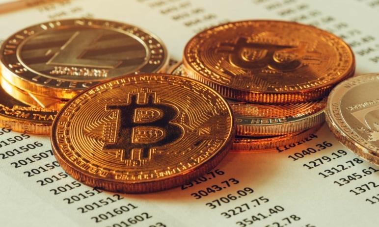 Poplatky u kryptoměnových transakcí - jak fungují? Kolik se za převody bitcoinů platí?