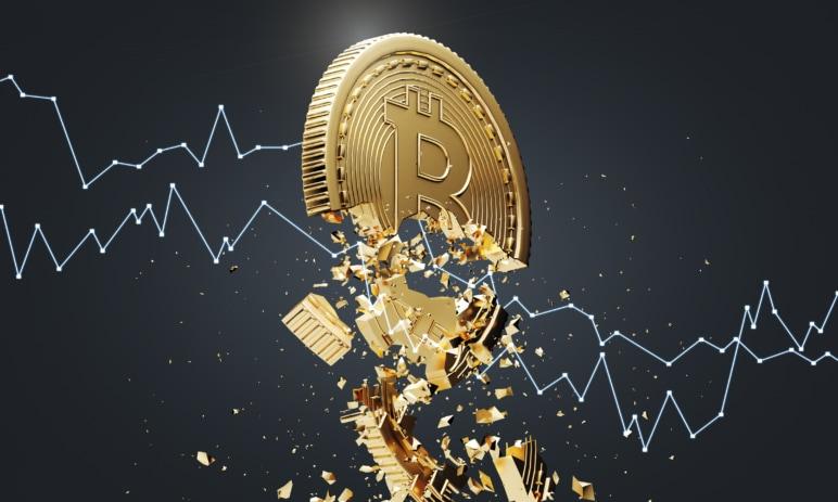 Perfektní bouře a nedělní propad Bitcoinu