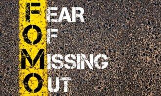 FOMO: Proč se lidé bojí, že prošvihnou investiční příležitost?
