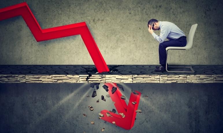 Proč investovat i v dobách kolísavých trhů? Je to bezpečné?