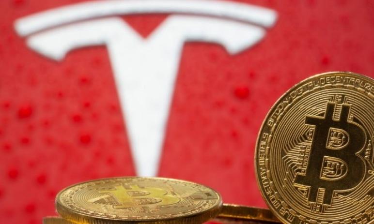 V kryptoměnové komunitě se objevila šokující informace: Tesla prodala své bitcoiny!