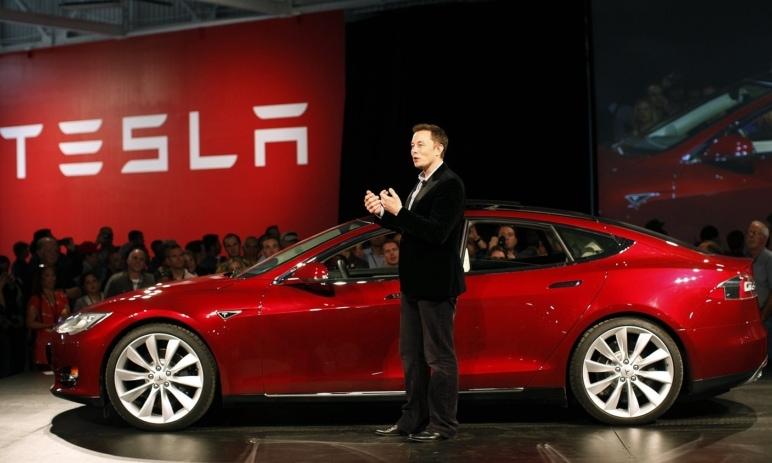 Tesla zažila nejvyšší prodeje v Číně a Musk gratuluje konkurenci