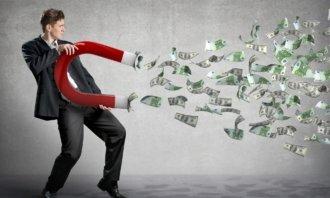 Zákon přitažlivosti – Jak funguje ve vztahu k penězům a jak správně s penězi pracovat?