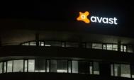 akcie-avast-logo-budova-sidlo