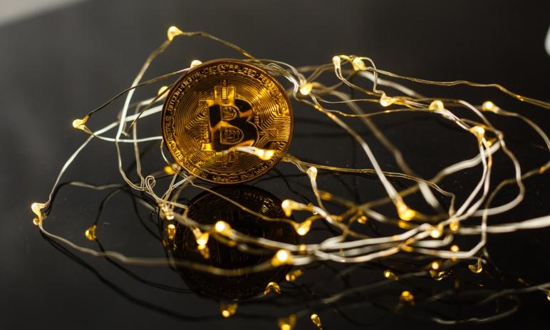 Energetická náročnost těžby bitcoinů - Je těžba neekologická? Přečtěte si známé mýty, reálná fakta a odpovědi na časté otázky