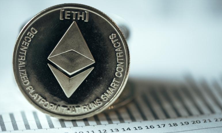 Poplatky v síti Ethereum: Jak funguje Gas fee, jak se poplatky platí a kolik stojí?