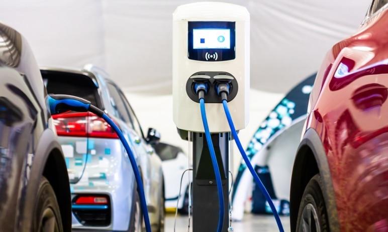 Jsou akcie elektromobilů v současné době přeceňované?