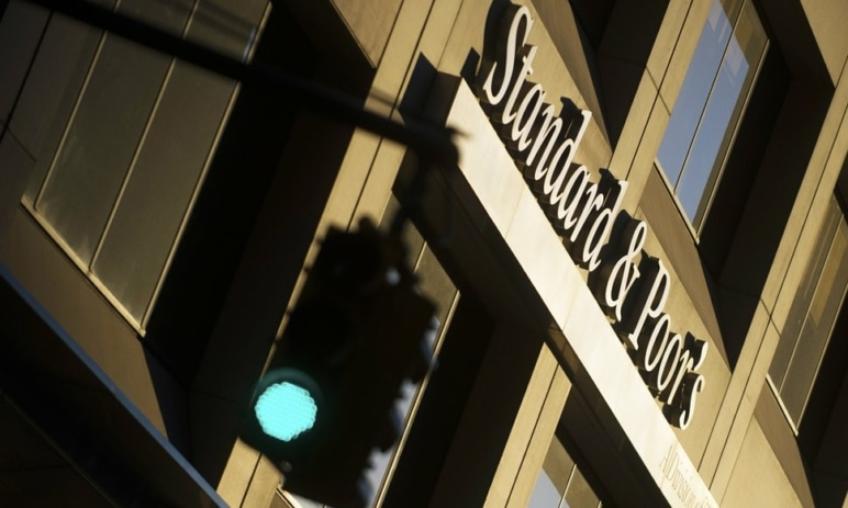 Jaký vývoj čeká index S&P 500, když 87,6 % výsledků společností překonává odhady – přijde korekce, nebo růst?