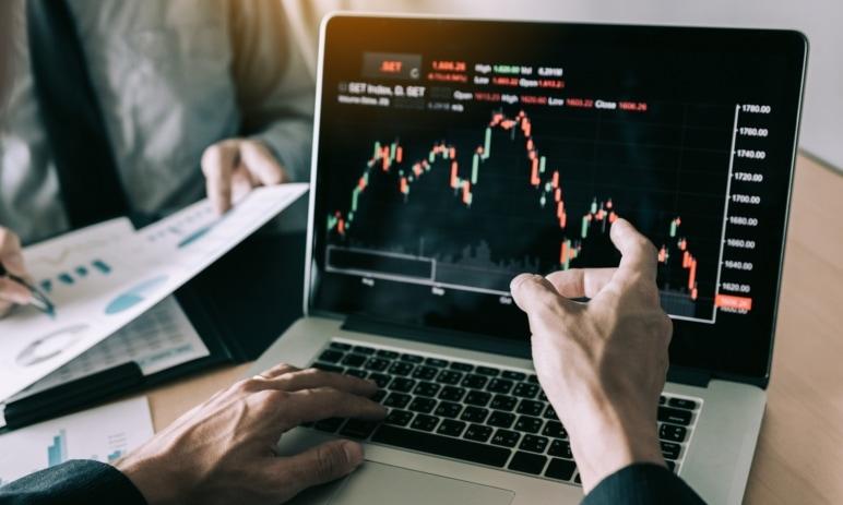 Jak funguje akciový trh a jak díky němu můžete vydělat peníze?