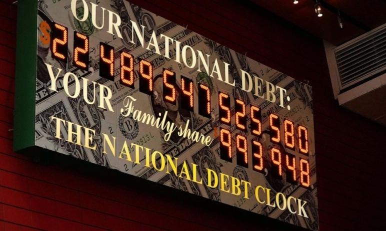 Zadluženost USA je nyní na úrovni z období 2. světové války - jaké to bude mít dopady?