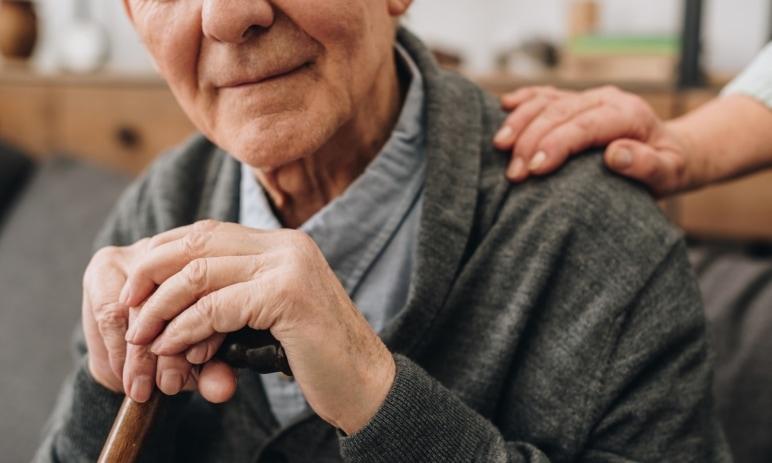 Od nového roku se důchody zvýší nejen o valorizaci