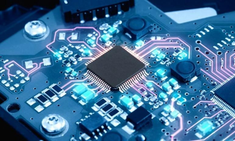 Jak se bude vyvíjet nedostatek čipů a které akcie z toho získají nejvíce?