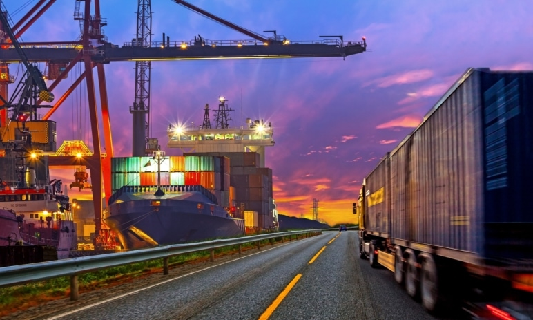 Rostoucí náklady na lodní přepravu mohou zvyšovat inflaci - od minulého roku se zdražila až o 664 %