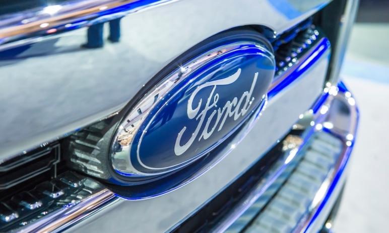 Prodeje automobilky Ford se sice zlepšují, ale pořád v meziročním srovnání zaostávají o více než 27 %