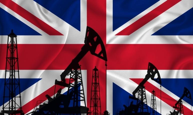 90 % čerpacích stanic ve Velké Británii je na suchu - Co způsobuje nedostatek pohonných hmot?